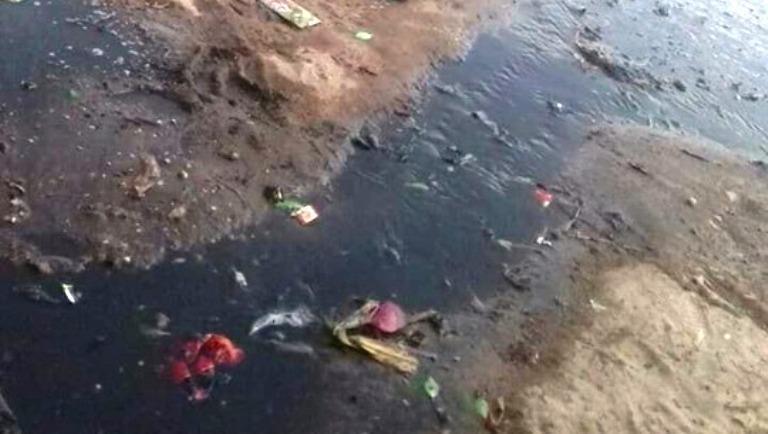 عزبة التفتيش تسبح في مياة الصرف الصحي