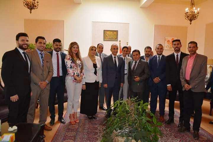 بالصور .. الدكتور عثمان شعلان يباشر عمله بعد تسلمه رسميًا رئاسة جامعة الزقازيق