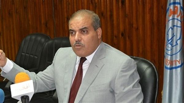 زياره مفاجأه من رئيس جامعة الأزهر لمستشفى باب الشعرية
