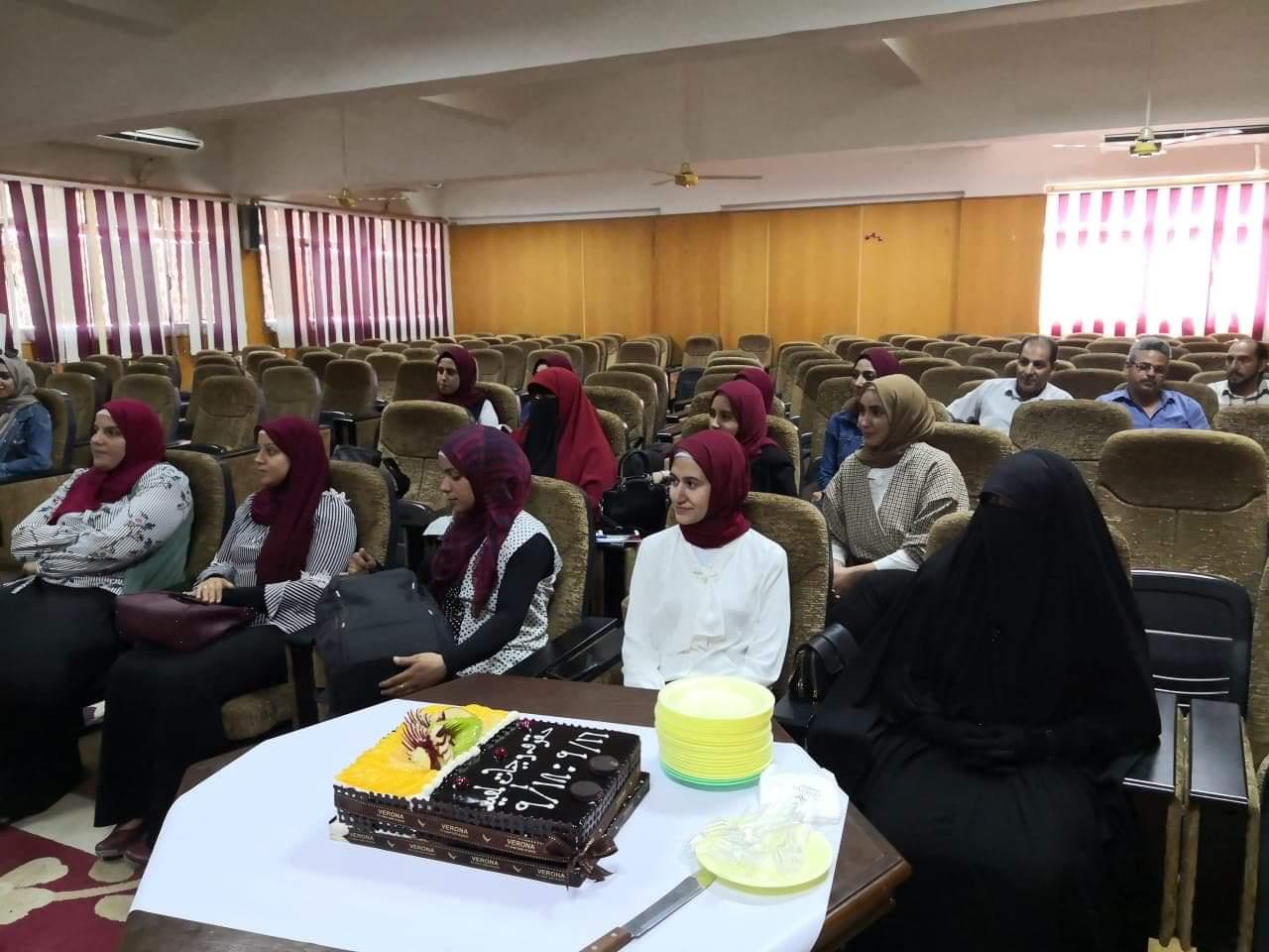 عسكر  تشهد ختام أول دورة تدريبية عن حقوق وواجبات المعيد بجامعة الزقازيق
