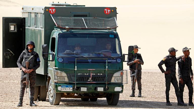 انتشار قوات الأمن في جميع المحافظات استعدادا لتطبيق حظر التجوال بكل صرامة