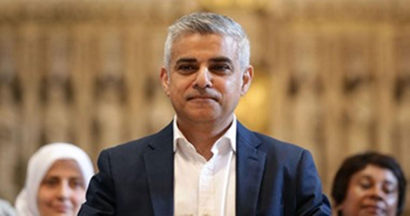 عمدة لندن يحذر من وضع كارثي بسبب كورونا